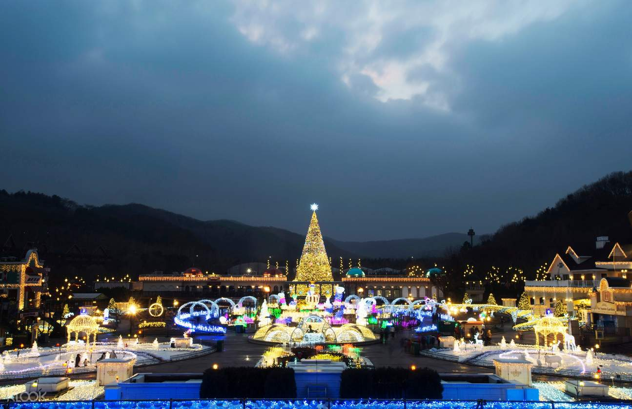 everland attractions with christmas lights